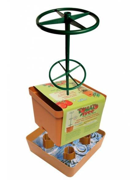 Tower pot to grow tomatoes