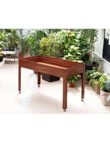 Mesa de cultivo marrón